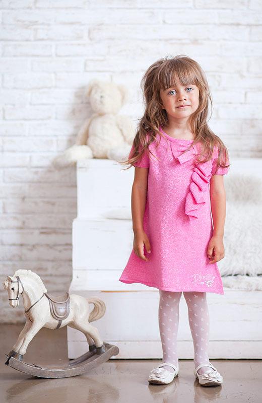 нежное розовое платье для девочки